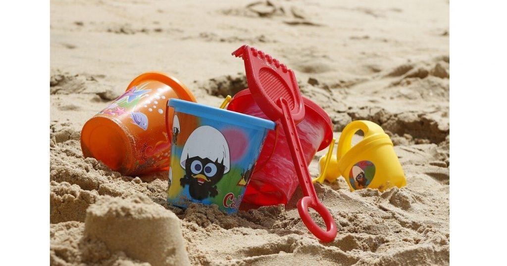 gioco di gruppo in spiaggia